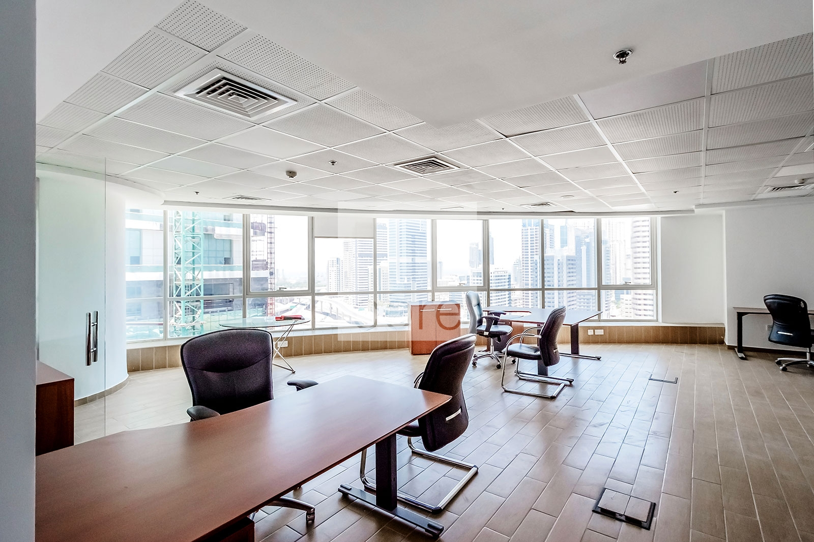 Fitted And Furnished Office | Mid Floor | Property Photo 1