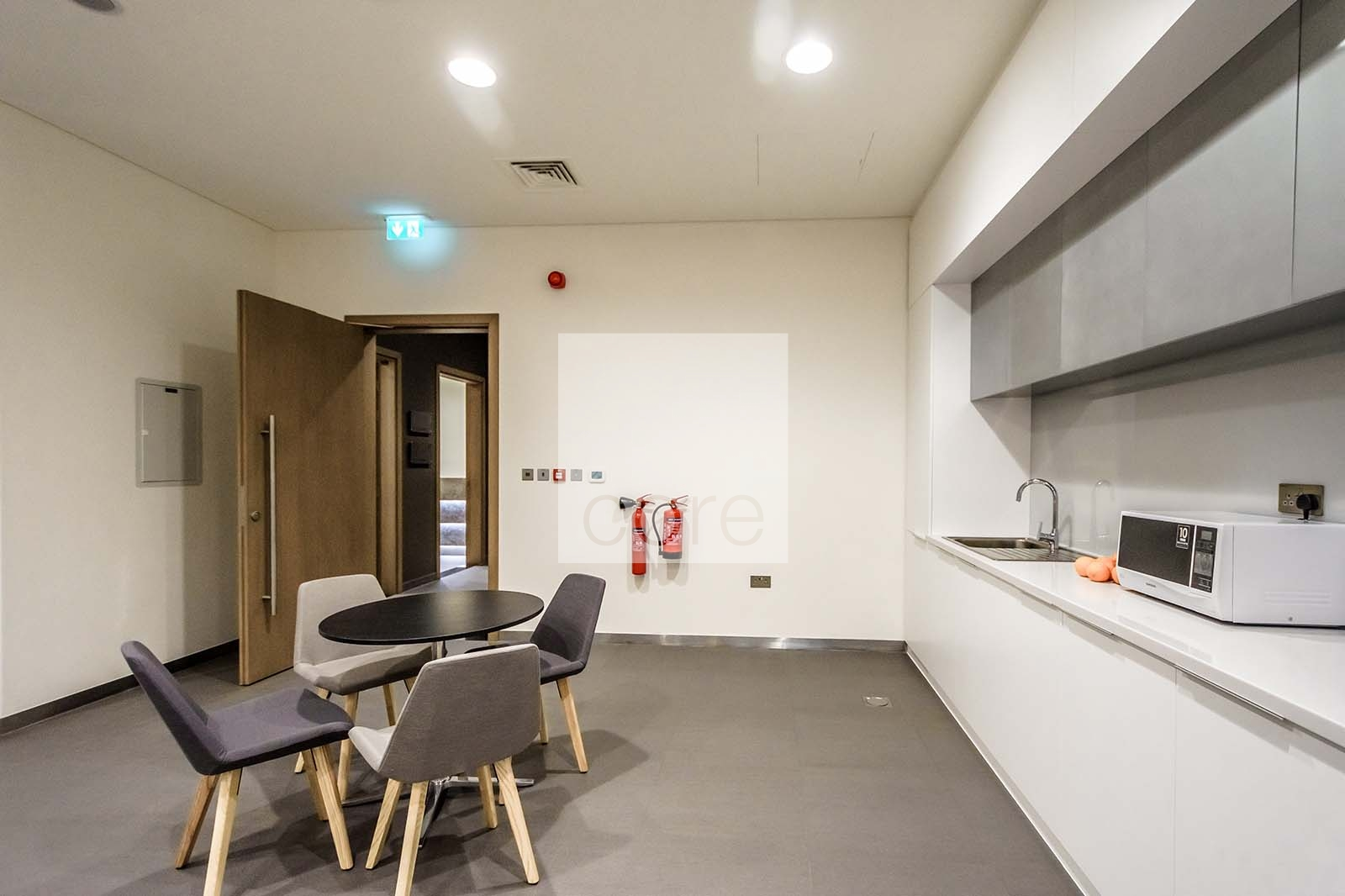 Easily Accessible | Fitted Furnished Unit | Property Photo 3