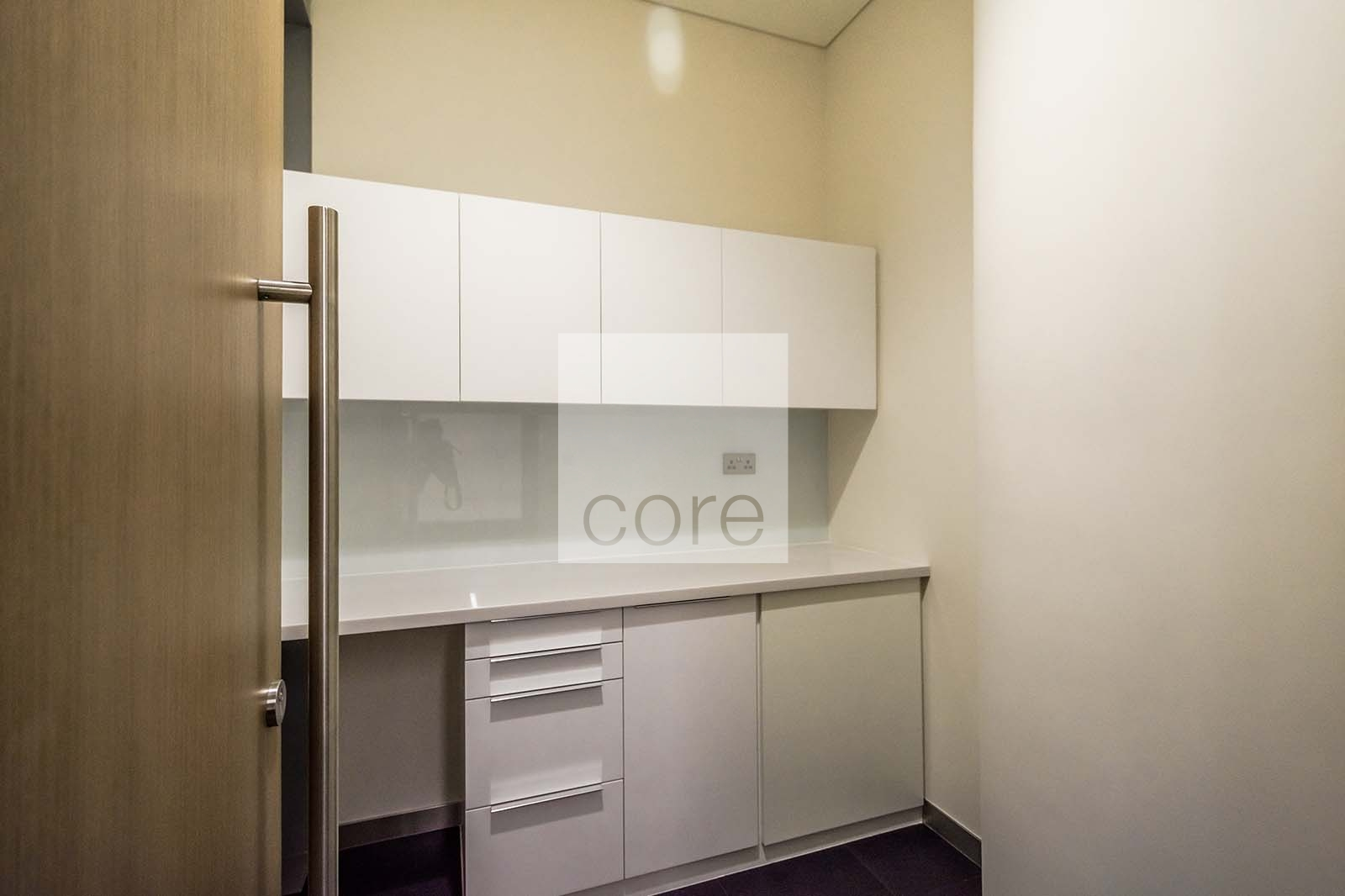 Easily Accessible | Fitted Furnished Unit | Property Photo 10